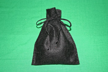Easy-Felt-Crafts-Keepsake-Gift-Bag-Black-Elegance