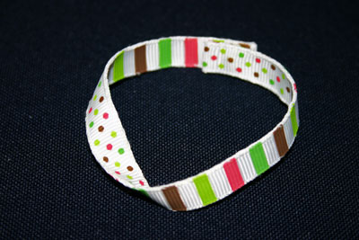 Frugal-fun-crafts-mobius-bracelet-ribbon-dots-stripes-finished