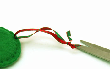 Easy Christmas Crafts Button Wreath Ornament step 10 tie knot in ribbon ends and trim