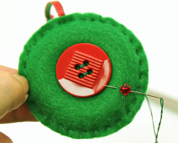 Easy Christmas Crafts Button Wreath Ornament step 11 add first bead