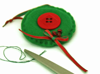 Easy Christmas Crafts Button Wreath Ornament step 14 attach ribbon below beads