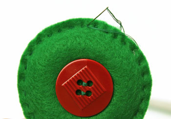 Easy Christmas Crafts Button Wreath Ornament step 7 finish sewing edge
