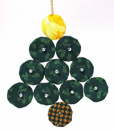 Easy Christmas Crafts Christmas Tree of Craft Yo Yos with beads attached