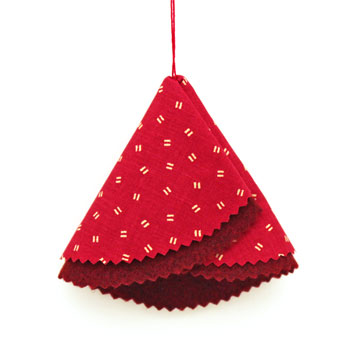Easy Christmas Crafts Folded Felt and Fabric Christmas Tree finished red version with pinked edges