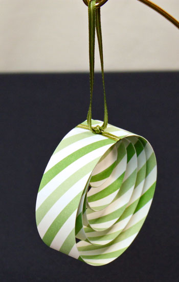 Easy Christmas Crafts Paper Circles Ornament step 11 hang finished ornament