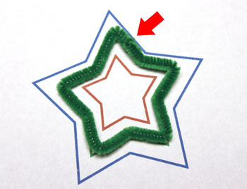 Easy Christmas Crafts Three Stars Chenille Ornament step 6 crimp wire to close green star