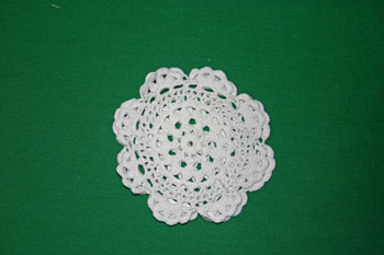 Easy felt crafts doily sachet match holes