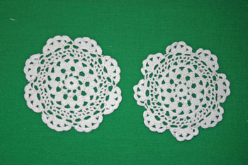Easy felt crafts doily sachet two doilies