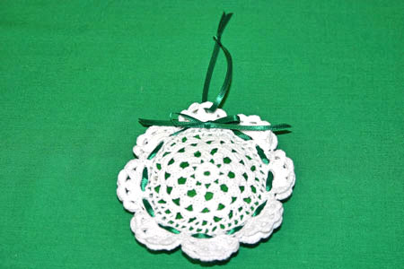 Easy felt crafts doily scent pouch finished white