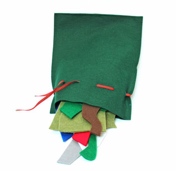 Easy Felt Crafts Farm Puzzle bag with puzzle pieces spilling out