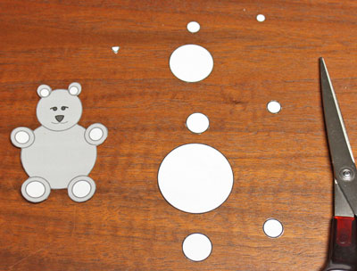 Paper Circles Teddy Bear step 1 cut around pattern pieces