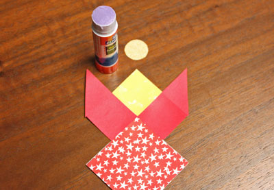 Paper Patchwork Angel step 7 glue small circle