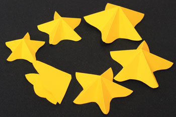 Easy Angel Crafts Paper-Star-Angel-Ornament-Pattern Step 5 fold all stars