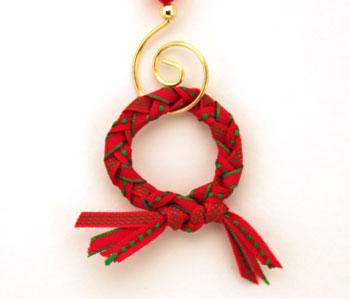 Braided ribbon wreath ornament smaller size