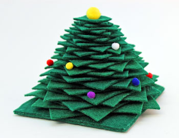 Felt Squares Christmas Tree finished and on display