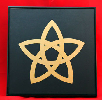 Five Point Celtic Star in gold on black background