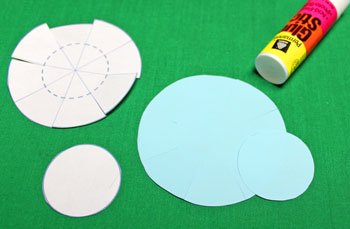 Paper Chrysanthemum Ornament step 11 glue small circle