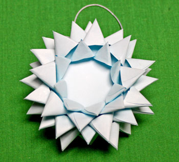 Paper Chrysanthemum Ornament step 20 points alternating