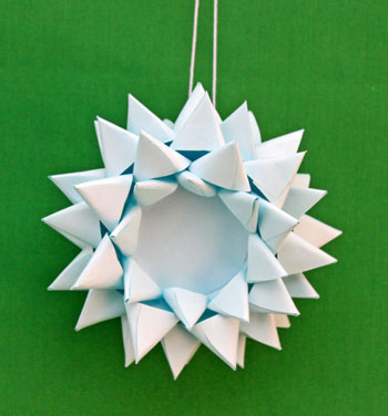 Paper Chrysanthemum Ornament step 21 display the pretty decoration