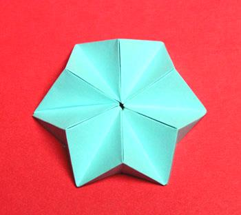 Pyramid Folded Star finished blue on display